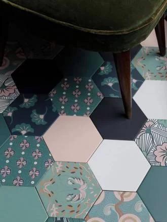 Carrelage hexagonal, style tomette rouge, noir, gris, blanc, coloré